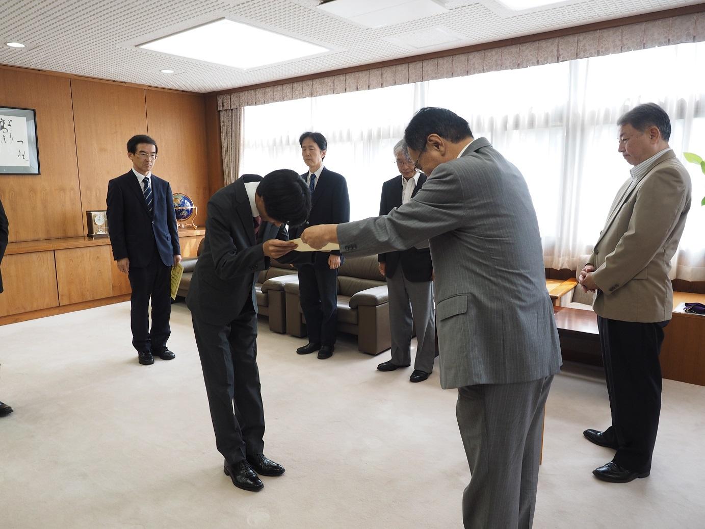 日本学術振興会より3名の教員が表彰されました